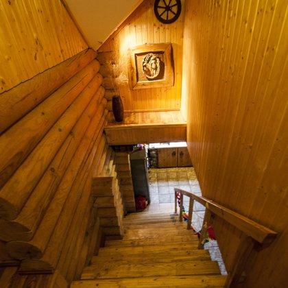 trepes uz 2.stāvu
